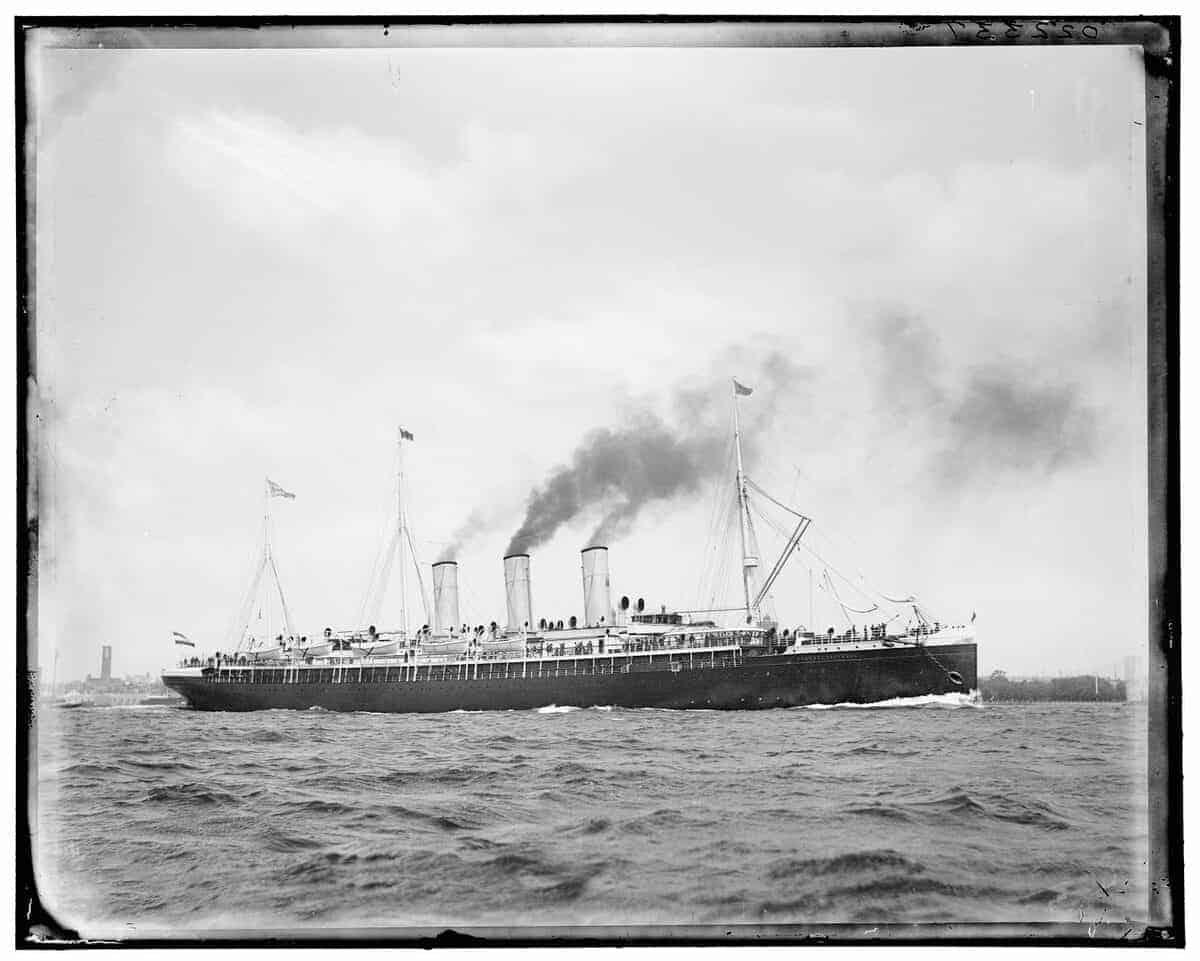 """Der Schnelldampfer """"Augusta Voctoria"""" ging in die Geschichte der Kreuzfahrt ein. Foto: John S. Johnston"""