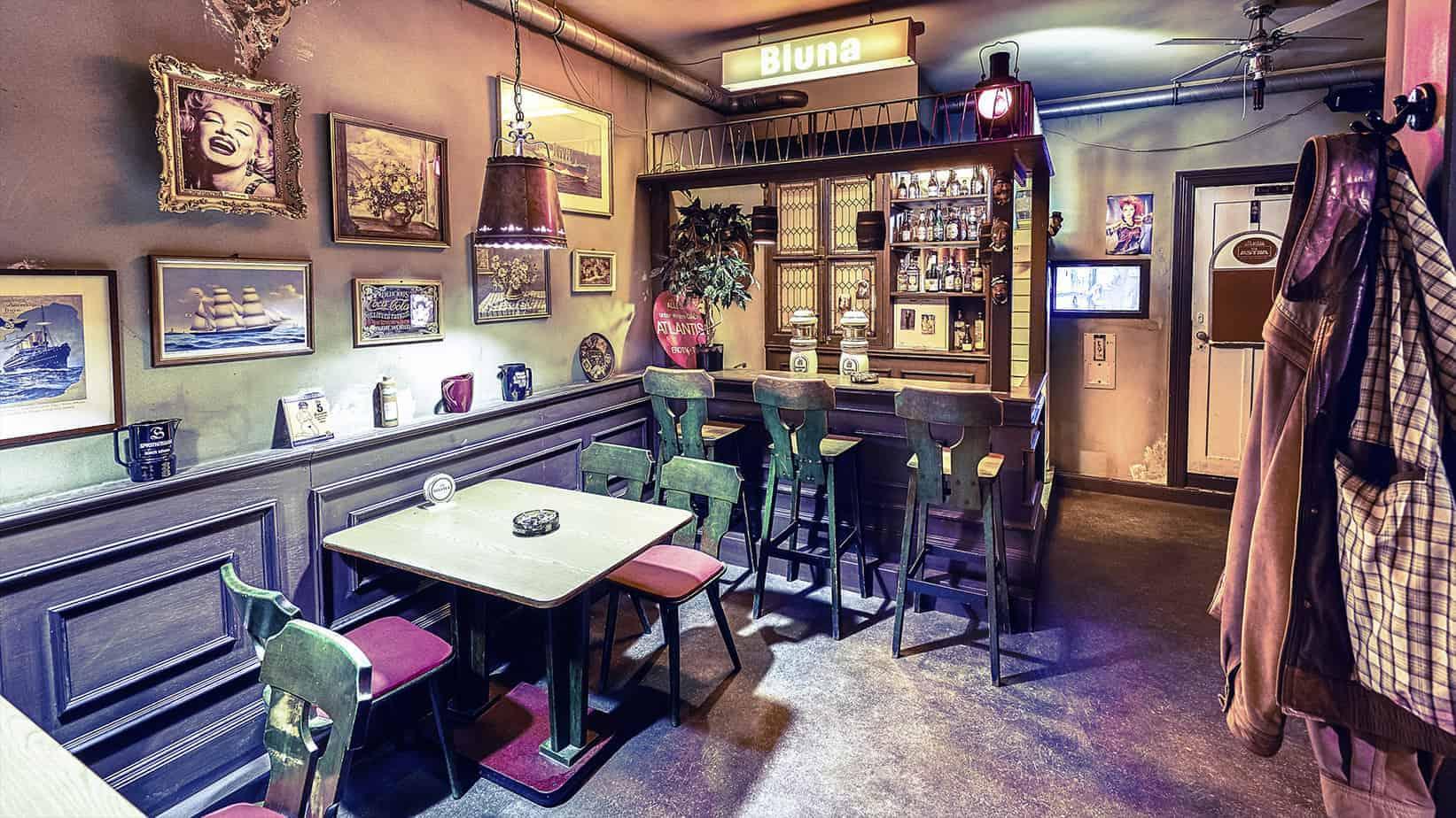 Skurrilum im Klubhaus St. Pauli Foto: Lukas Nimscheck