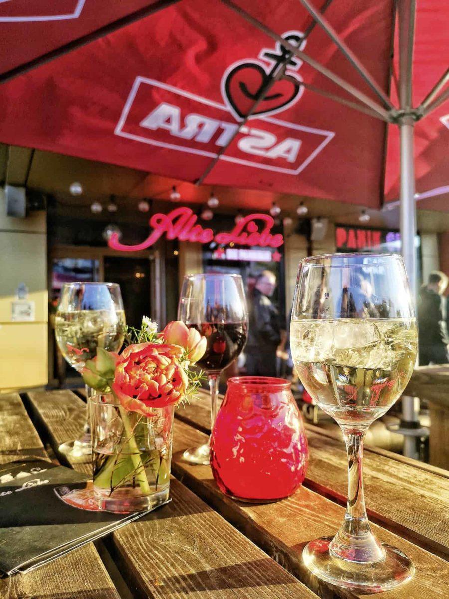 Alte Liebe im Klubhaus St. Pauli Foto: Anka Schoenefeld