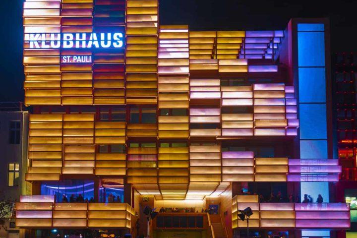 Fassade des Klubhaus St. Pauli Foto: Oliver Fantitsch